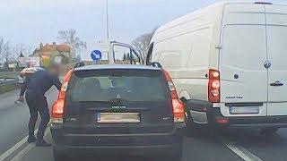 Agresywny kierowca niszczy lusterko ▪ polskiedrogiPLUS