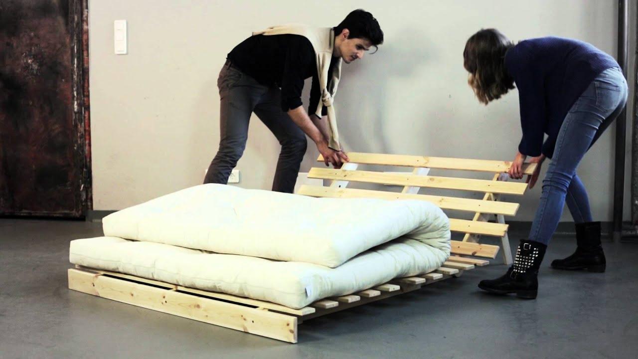 banquette convertible en bois avec matelas futon roots de karup