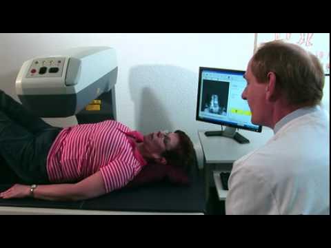 Dr. Ewald Hof erklärt die Messung der Knochendichte im Zusammenhang mit der Krankheit Osteoporose