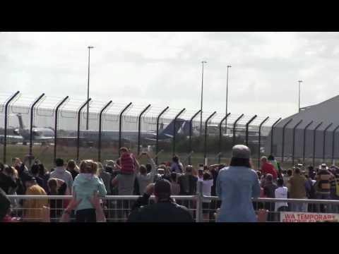 15.000 mil personas para ver de cerca al mayor avión del mundo
