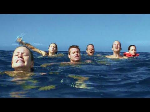 6名男女下船游泳忘记放梯子,被困在大海中,更绝望的是船上还有个小宝宝!