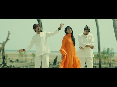 """""""Bangkit"""" (Official Music Video) ft. Hazama, Dayang Nurfaizah & Aman RA"""