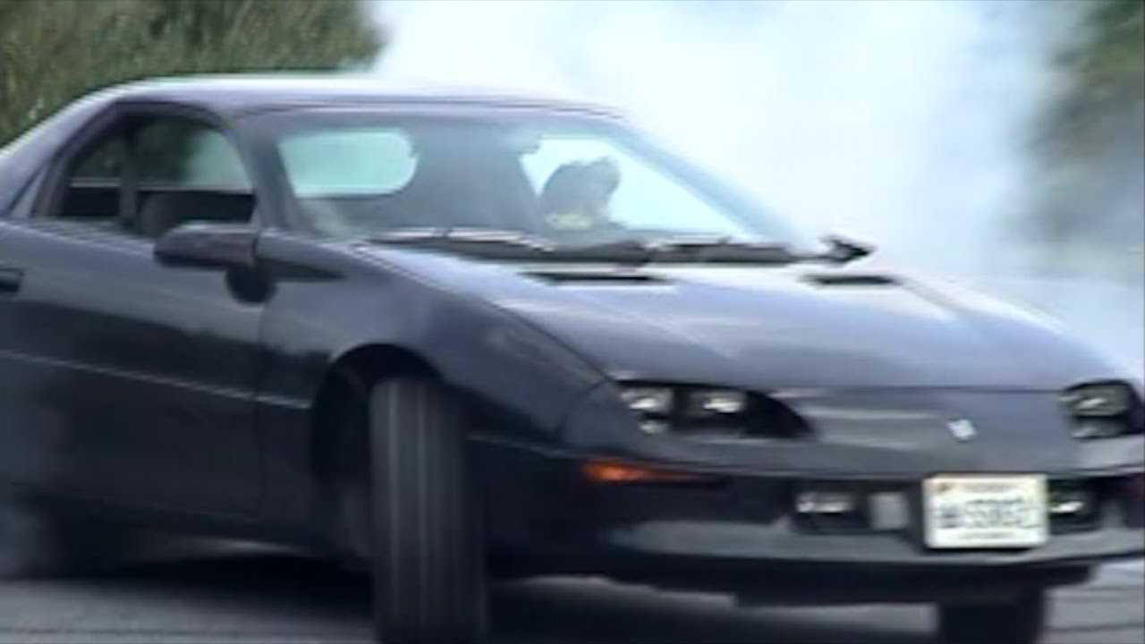 "Camaro Vs Mustang >> LT1 Camaro Z28 -""best bang for the buck '90s car"" (4.6 Mustang vs 5.7 Camaro) - YouTube"