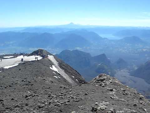 Video from the top of a volcano--Volcan Villarrica.AVI