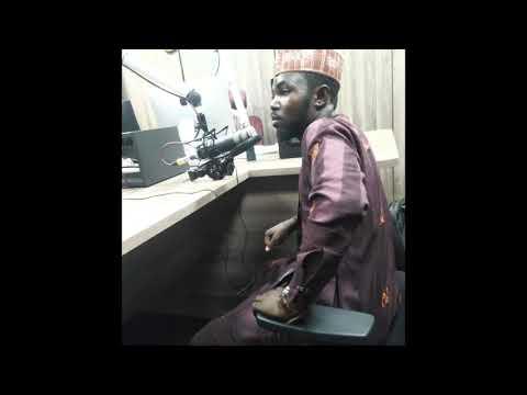 Download Kalli yadda akai hira da Ali piano a jalla FM radio kano
