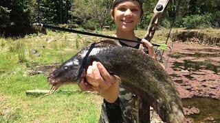 Bowfishing HUGE River Monsters - Catch n Cook! HD