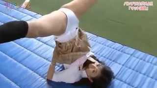 Sexy Japanese girl 【セクシーアイドル】JK マット運動!放送事故 桃瀬なつみ 検索動画 27