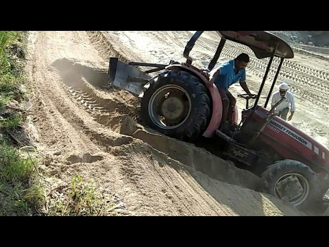 Expert Tactor Driver Vs Car Driver In Muddy Road 4*4 Tractor