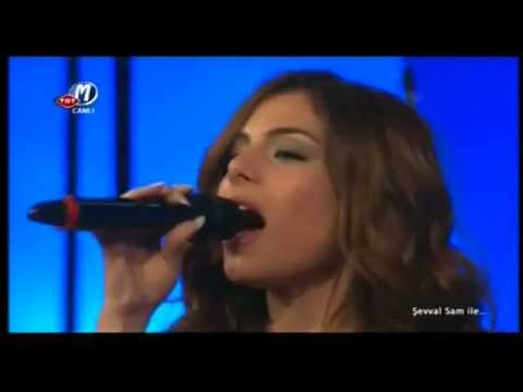 Eleftheria Eleftheriou / Şevval Sam - Mia Pista Apo Fosforo / Herşeyi Yak (Live)