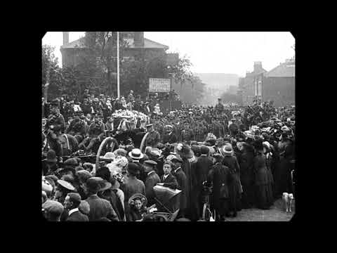 1912 - Outdoor Funeral Procession in Hitchin, England (speed corrected w/ added sound)