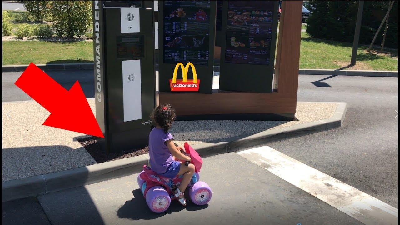 ELLE COMMANDE AU McDonald's DRIVE EN QUAD ! ????