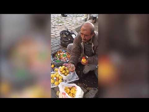 İnsanları Hipnotize Ederek Limon Sıkacağı Satan İşportacı