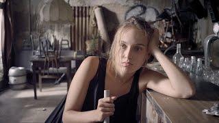 Více: http://www.cervenykoberec.cz/film/laputa-2015/ Co s životem n...