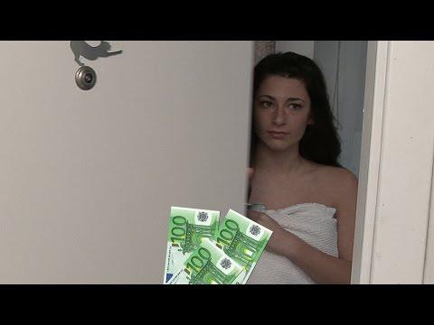 If You Open The Towel, I'll Give You Money. Deja Caer La Toalla Por Dinero...Miami Rules