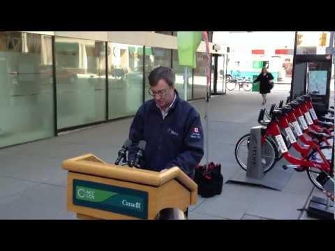 Ottawa mayor Jim Watson talks city's bike plan