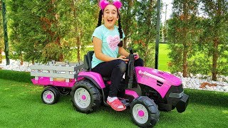 Gamze's new pink tractor, collecting vegetables - for kids video