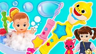 Pinkfong فقاعات صابون القرش طفل لحن! دعونا نأخذ حمام فقاعة مع Kongsuni! | بينكي بوب توي