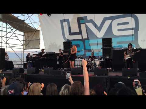 Unbreakable Smile | Tori Kelly (live At Flo At The Fair)