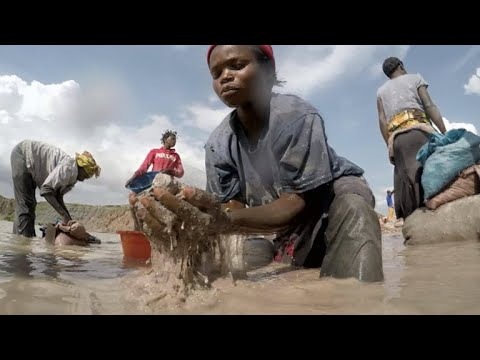 Children still mining cobalt for gadget batteries in Congo