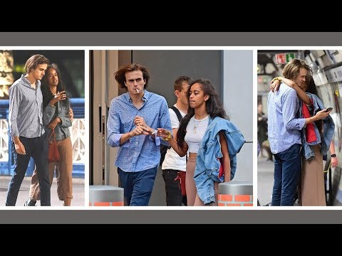 Malia Obama smoking a cigarette with her Boyfriend