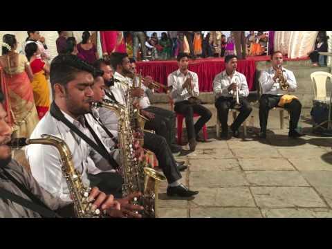 ankhiyon ke jharokhon se song Ashtavinayak brass band & banjo Mahim mori road