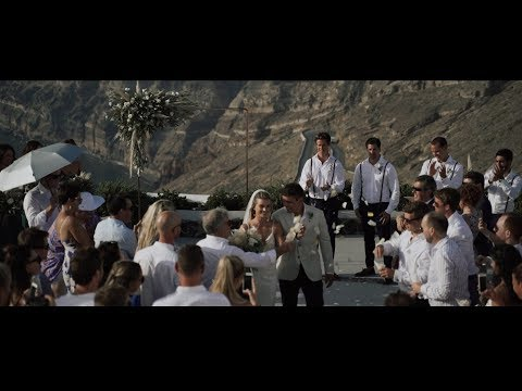Doves in Love | Jess & Jamie wedding in Santorini