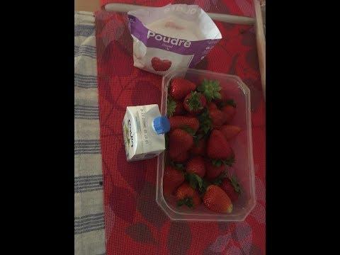 recette-n°3-desserts-fraise-sucre-creme-fraîche