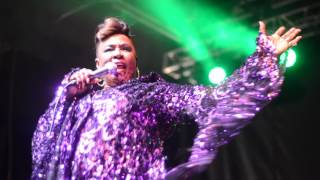 betty wright sings no pain no gain at the southern soul music festival