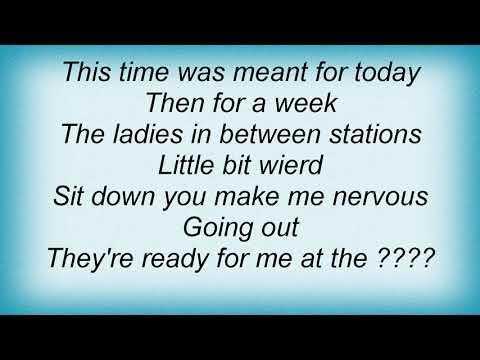 Sleater Kinney - Tapping Lyrics