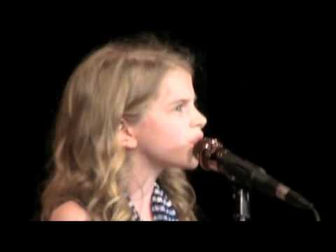 Sara Goodwin 11 years old sings Rolling in the Deep- Adele