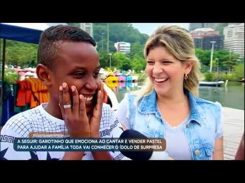 Kauã se emociona ao encontrar seu ídolo Jotta A