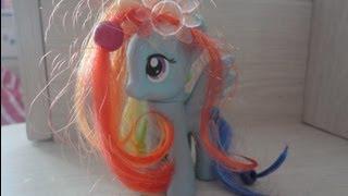 MLP FIM: Как сделать красивую прическу для пони (ЧИТАЕМ ОПИСАНИЕ)(Это старое видео, я его снимала где-то лет в 8-9. Но раз оно многим нравится, удалять не буду))) Хотя мне жутко..., 2013-08-12T09:37:49.000Z)