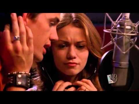 One Tree Hill 02x08 - When The Stars Go Blue - Chris e Haley