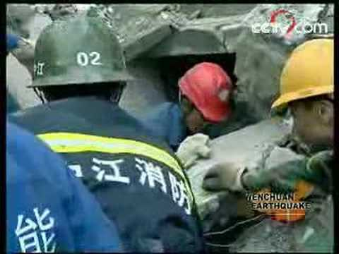 CCTV-9: Student rescue continues in Mianyang