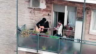 Ain't It Fun ( Paramore ) Acoustic Live From The Balcony, Milan 13/03/2020. Quarantine