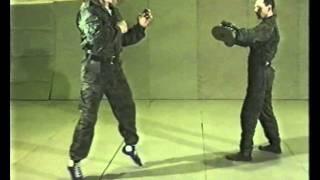 Боевое САМБО приемы Ч4 Удары ногами(Секция РУКОПАШНЫЙ БОЙ http://ruk-boi.wix.com/krb-vitiaz КАНАЛ БОЕВЫЕ СИСТЕМЫ МИРА (все видео по плейлистам) http://www.youtube.com/user/..., 2011-12-02T14:54:18.000Z)