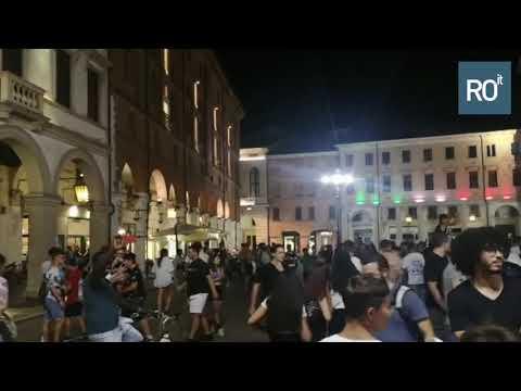 Esultanza piazza Rovigo per la vittoria nazionale ...
