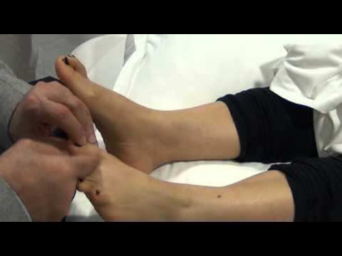 علاج وجع الرقبة من اصابع القدمين