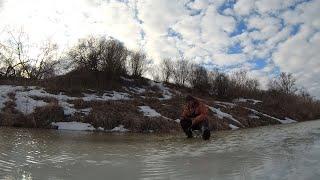Рыбалка в конце марта 2021 по последнему льду в экстрим условиях зимняя рыбалка в ручье