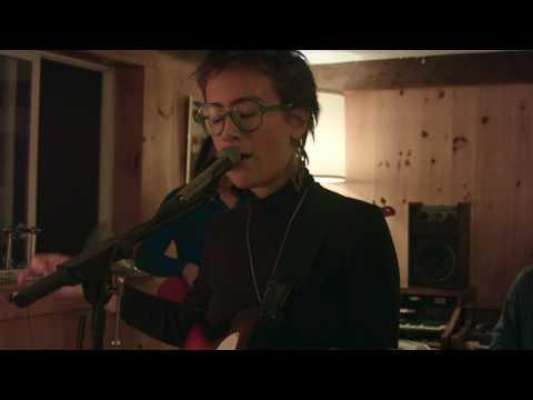 Lina Tullgren // Red Dawn (Live Session)
