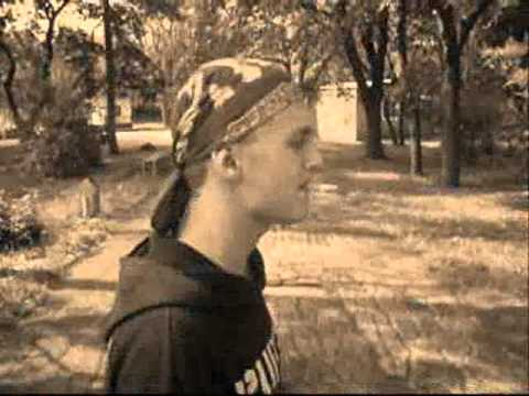 засранец панк и обосраный гопник