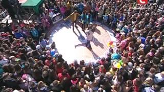 Караоке на майдане в Березани. Песня на выбор - Караоке на майдані - Выпуск 796 - 06.04.14