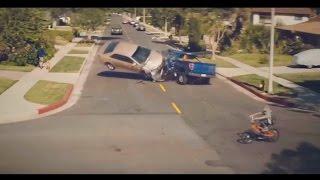 Самая страшная авария! Используйте автомобильный держатель для смартфонов!(Сохрани жизнь себе и своим близким. Закажи автомобильный держатель для смартфона на http://bit.ly/onetto_video., 2017-01-30T13:33:13.000Z)
