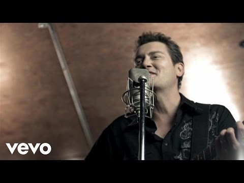 Adam Harvey – Stuck In The Middle #CountryMusic #CountryVideos #CountryLyrics https://www.countrymusicvideosonline.com/stuck-in-the-middle-adam-harvey/ | country music videos and song lyrics  https://www.countrymusicvideosonline.com