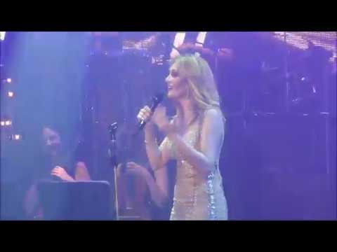 Νατάσα Θεοδωρίδου - Δεν με αφορά    Live @ Fantasia