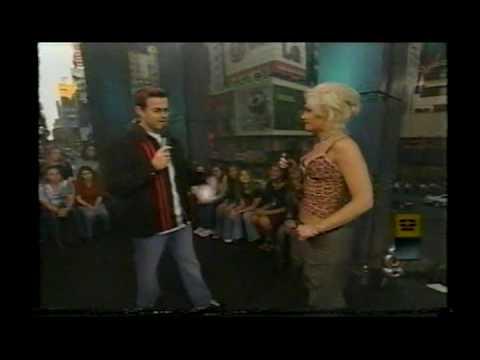 Gwen Stefani on TRL November 7, 2000
