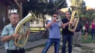 Csípőjét meg a járását - Csököly - Szüret 2016 video