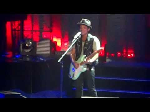 """Money (That's What I Want)/Billionaire"" - Bruno Mars in San Francisco [6/8/11]"