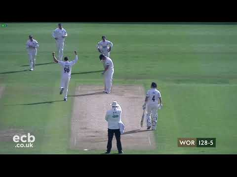 Warwickshire vs. Sussex - Specsavers County Championship - Day 2