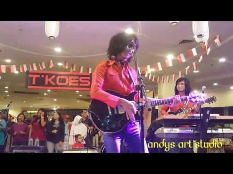 Gadis genit by Tkoes Band